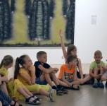 """Klaipėdos """"Smeltės"""" progimnazijos pradinukai KKKC parodinėse erdvėse/ 2019 06 07"""